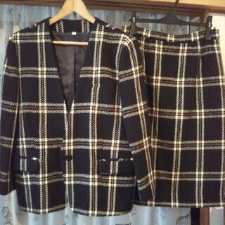 冬物スーツとスカート