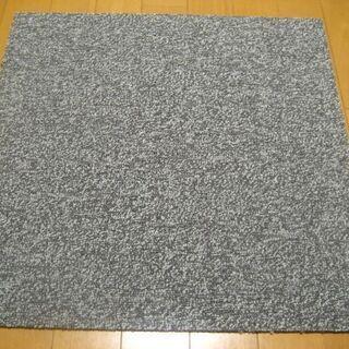 日本製タイルカーペット厚み6.5mm・1枚180円・在庫112枚...