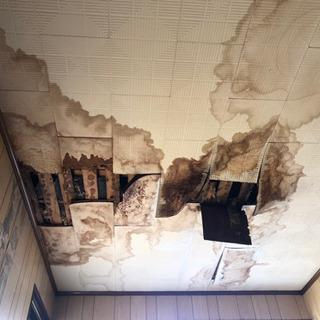 雨漏り、屋根破損等の工事