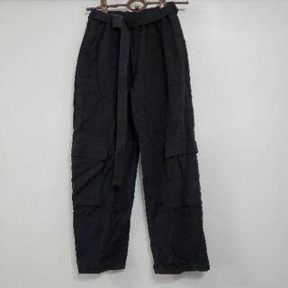 ベルト付き 黒のカーゴパンツ  XL