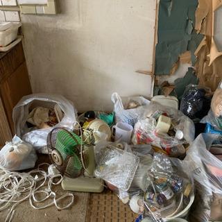 御部屋の御掃除をいたします。
