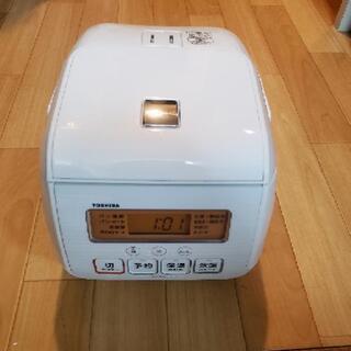 TOSHIBA  炊飯器 3合炊き 2017年製