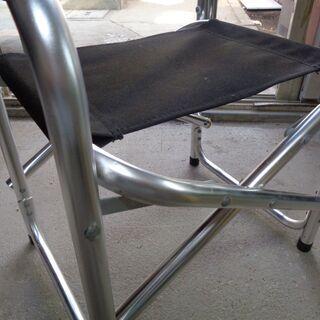 アルミ製の「折りたたみ式」椅子「キャンプに最適(新古品)