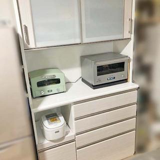 商談中です。値下げしました!美品! ニトリ キッチンボード(=食器棚)