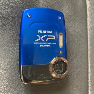 FUJIFILM デジタルカメラ XP
