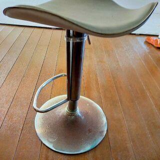 【ネット決済】カウンター用の椅子譲ります
