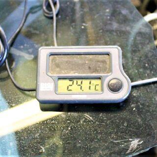 ソーラー電池 温度計