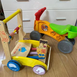 カタカタ「ミテミテ」木製押し車(カタカタ 手押し車)と、  三輪車