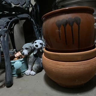【ネット決済】お庭用のイス&机●犬の鉢など●300円〜