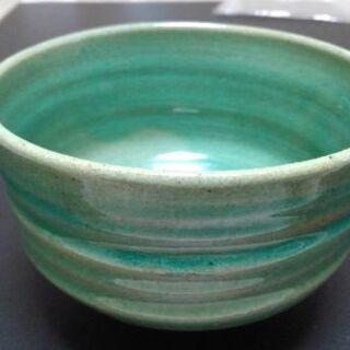 🌕🔴🔘きれいな緑色🔴🌕🔘抹茶茶碗♥️サービス品