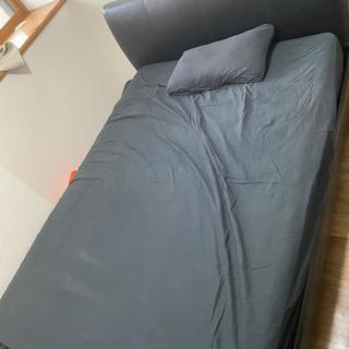 ニトリのダブルベッド