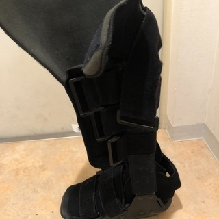 アキレス腱ブーツ 装具