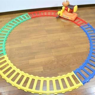 常用玩具 アンパンマンの足こぎレール