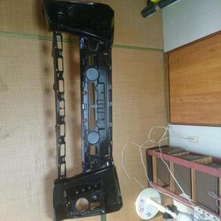 ヴォクシー フロントバンパー ZRR80W