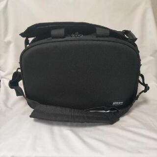 カメラバッグ⑤ニコン製のプロ用大型バッグ