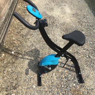 IGNIO フィットネスバイク エアロバイク 折りたたみ式…