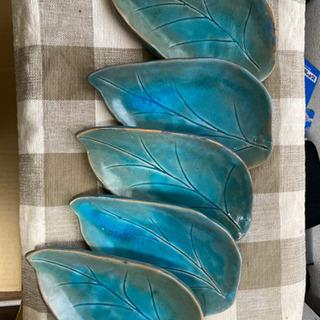 陶器のお皿5点&便利グッズビニール袋収納付けます。(5/12で処分します) - 京都市