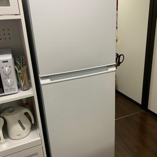 冷蔵庫(冷蔵庫マット付き)の画像