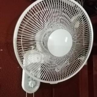 【中古】壁掛けタイプ 扇風機