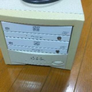 DVDデュプリケーター