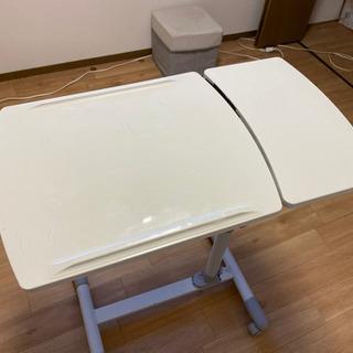 テーブル ベッドでの使用がかなり便利