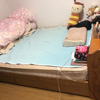 木製ダブルベッド フランスベッドのマットレス付き