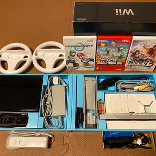 Wii本体セット+コントローラー+ヌンチャク+マリオカートなどソ...