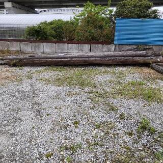 木柱、昔の木の電柱
