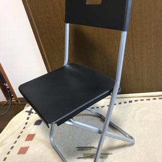 4脚1000円❣️軽量折りたたみ椅子 パイプ椅子