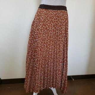 アシメトリーなスカート