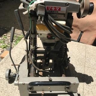 電動工具 マキタ 手動カクノミ 角ノミ 木工 穴あけ モデル 7302 中古 通電確認済 回転します の画像
