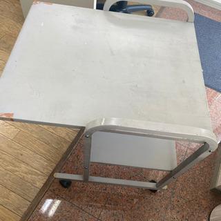 金属製 パソコンデスク 無料