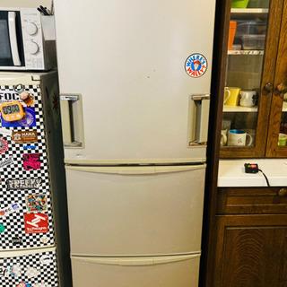 両開き冷蔵庫!中のモーターを新しくしたので、新品同様です!