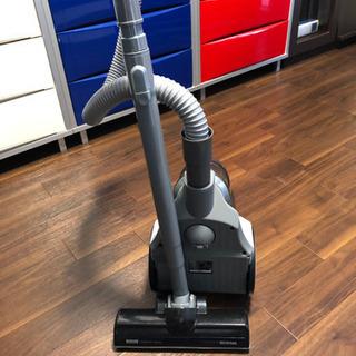 アイリスオーヤマ  サイクロン式掃除機
