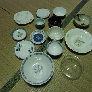 ●無料● 一人暮らし 始められそうな数のお皿 14枚 色々…