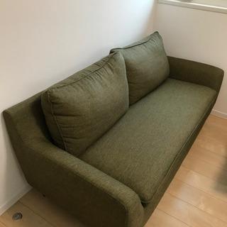 【ネット決済・配送可】2人〜3人掛け用ソファー(深緑色)