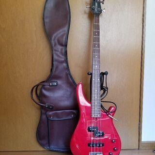 フェルナンデスベースギター