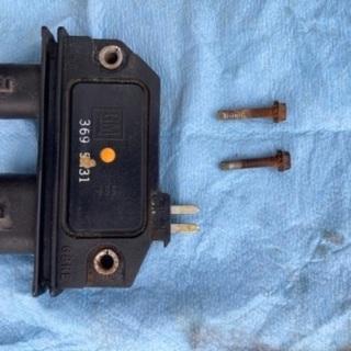 C1500 1995年 中古 イグニッションモジュールとビス