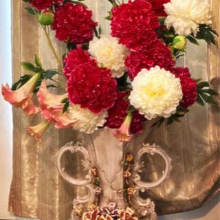 造花、豪華な花瓶
