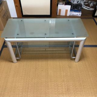 お洒落なガラス三段テーブル(*^^*)