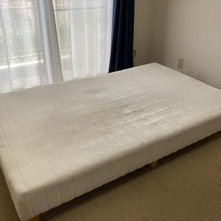 足付きマットレス セミダブルベッド