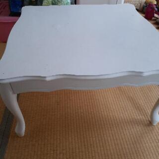 ホワイトアンティーク調テーブル