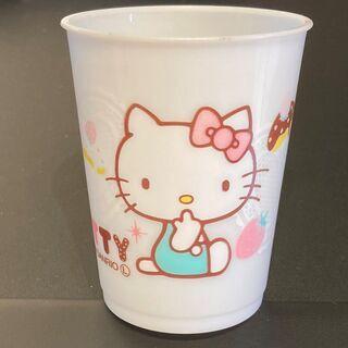 キティちゃんのコップ Hello Kitty