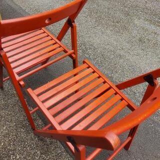 赤の折り畳み椅子 IKEA