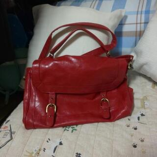 Ⓜ️真っ赤のショルダーバッグ