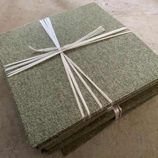 タイルカーペット 緑