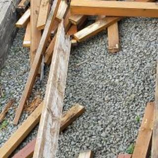 ウッドデッキ解体の廃材