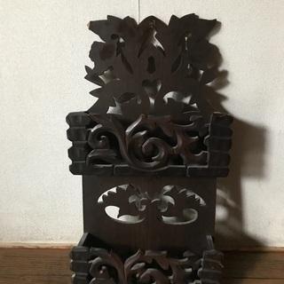 アジアン風木製壁掛けペーパーラック