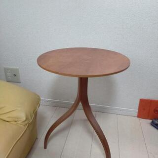 ちょっとしたテーブル(お話し中)
