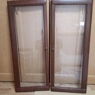 食器棚の扉2枚